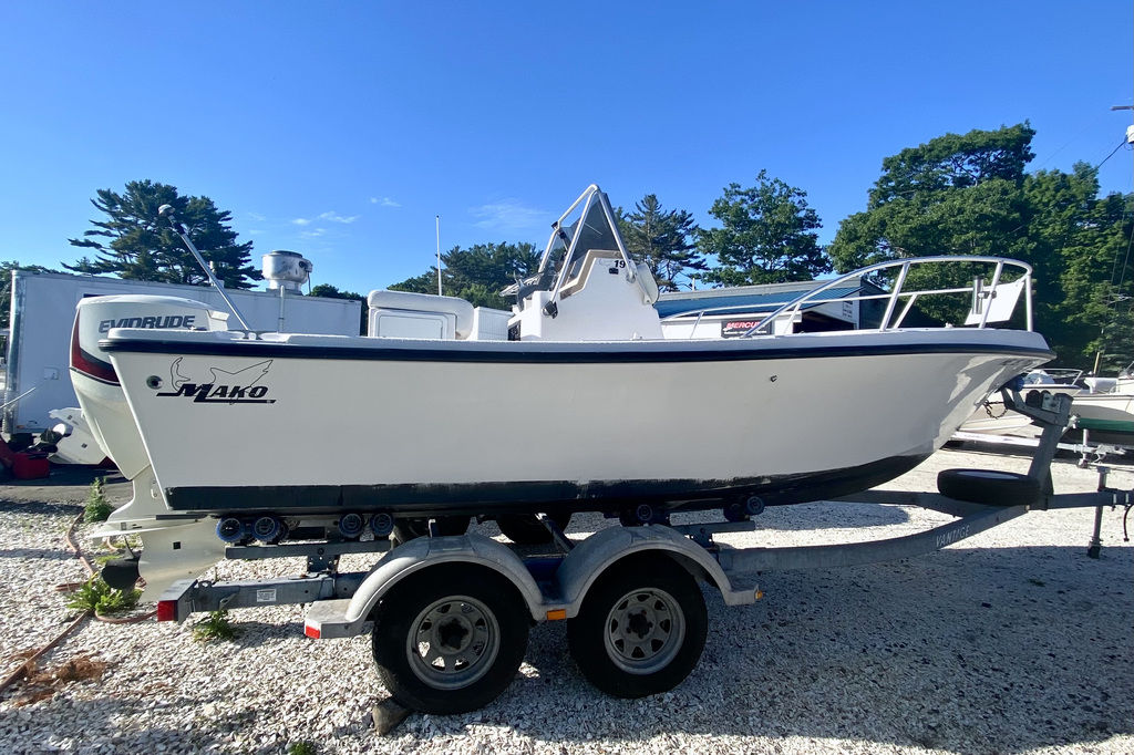 1999 Mako boat for sale, model of the boat is 191 Center Console & Image # 6 of 6