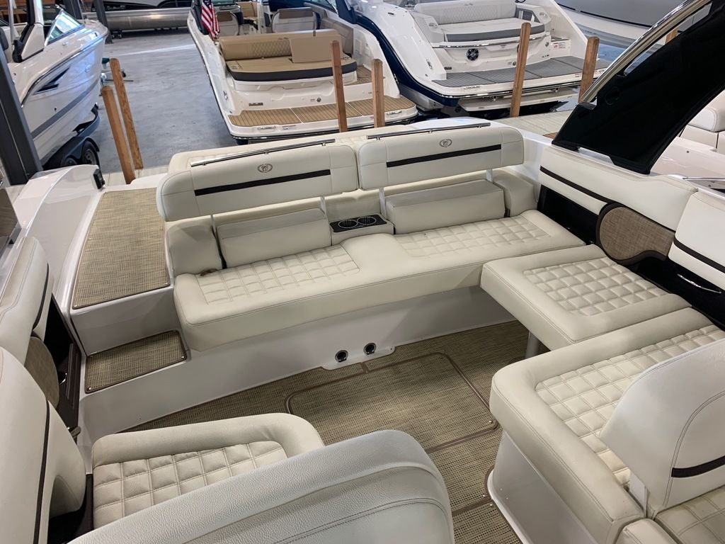 2017 Cobalt boat for sale, model of the boat is R30 & Image # 8 of 16