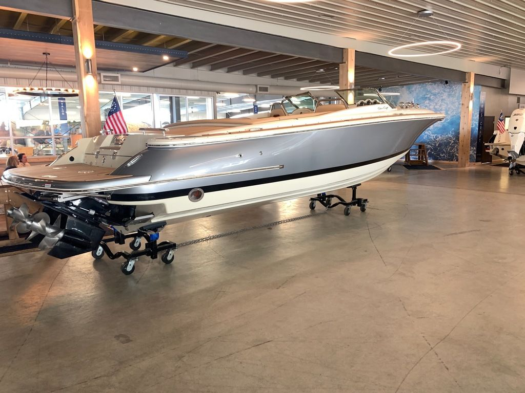 2020 Chris Craft boat for sale, model of the boat is Launch 30 & Image # 2 of 7