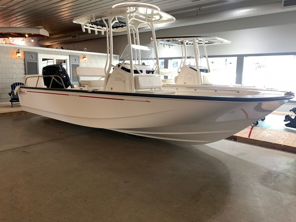 2019 BOSTON WHALER 210 MONTAUK for sale