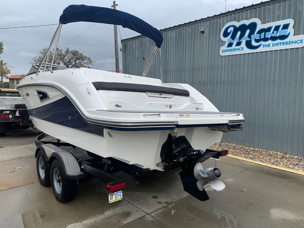 2019 Sea Ray boat for sale, model of the boat is SLX 230 & Image # 2 of 12