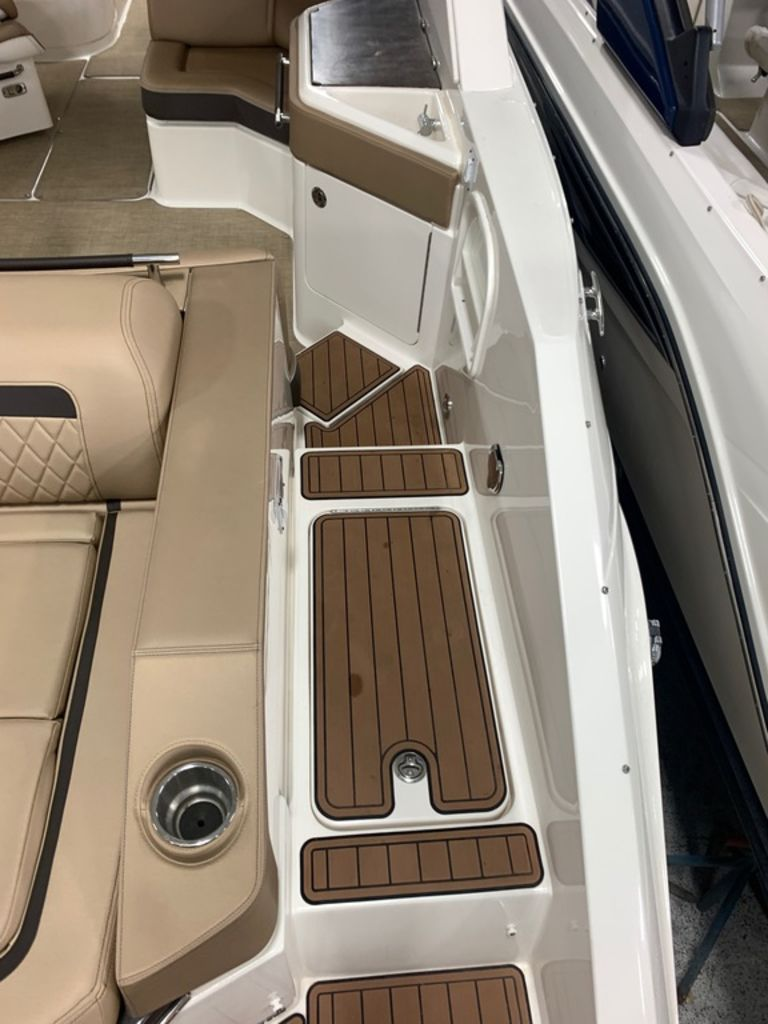 2017 Sea Ray boat for sale, model of the boat is SLX 310 & Image # 5 of 14