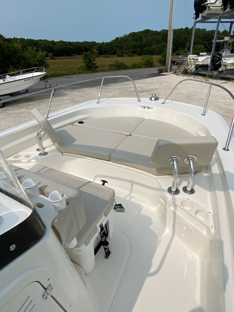2021 Boston Whaler boat for sale, model of the boat is 210 Montauk & Image # 3 of 8