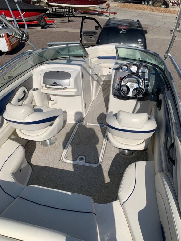 2007 Monterey boat for sale, model of the boat is 234 FS & Image # 7 of 14