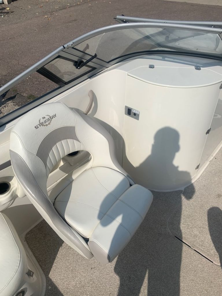 2013 Stingray boat for sale, model of the boat is 215LR & Image # 10 of 15