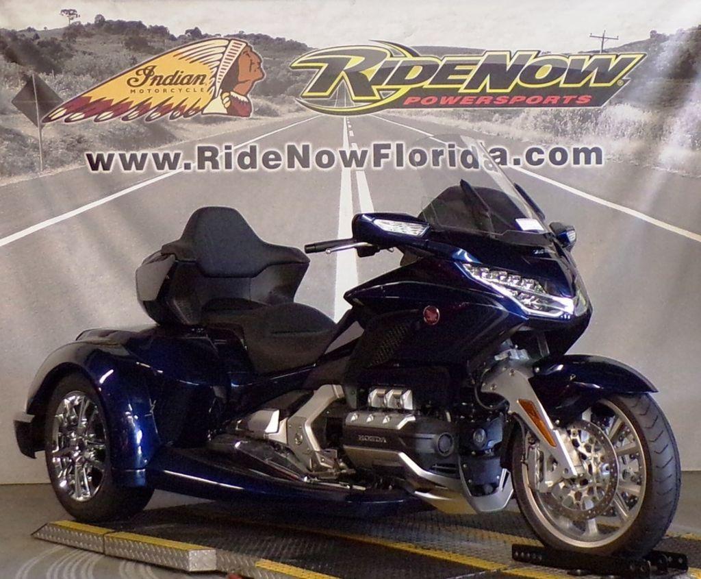 New 2018 Honda Gold Wing Tour Automatic DCT Pearl Hawkseye Blue Trike