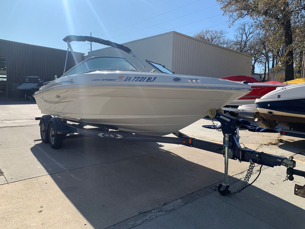 2010 Sea Ray boat for sale, model of the boat is 205 Sport & Image # 4 of 11