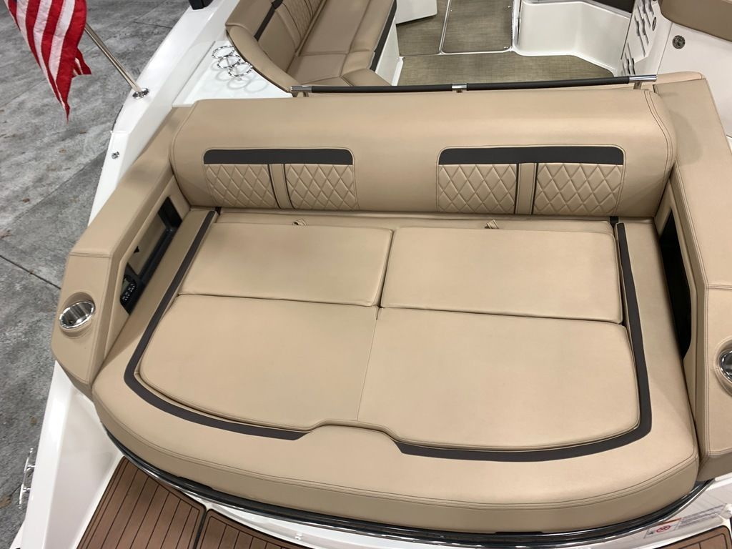 2018 Sea Ray boat for sale, model of the boat is SLX 310 & Image # 5 of 18