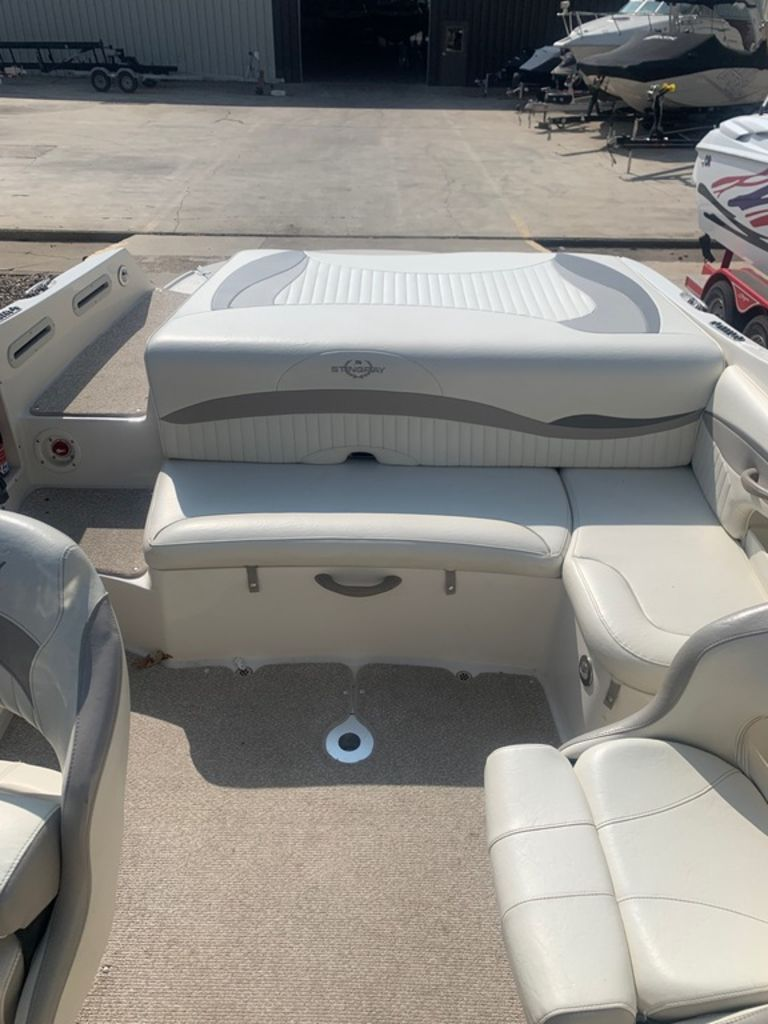 2013 Stingray boat for sale, model of the boat is 215LR & Image # 12 of 15