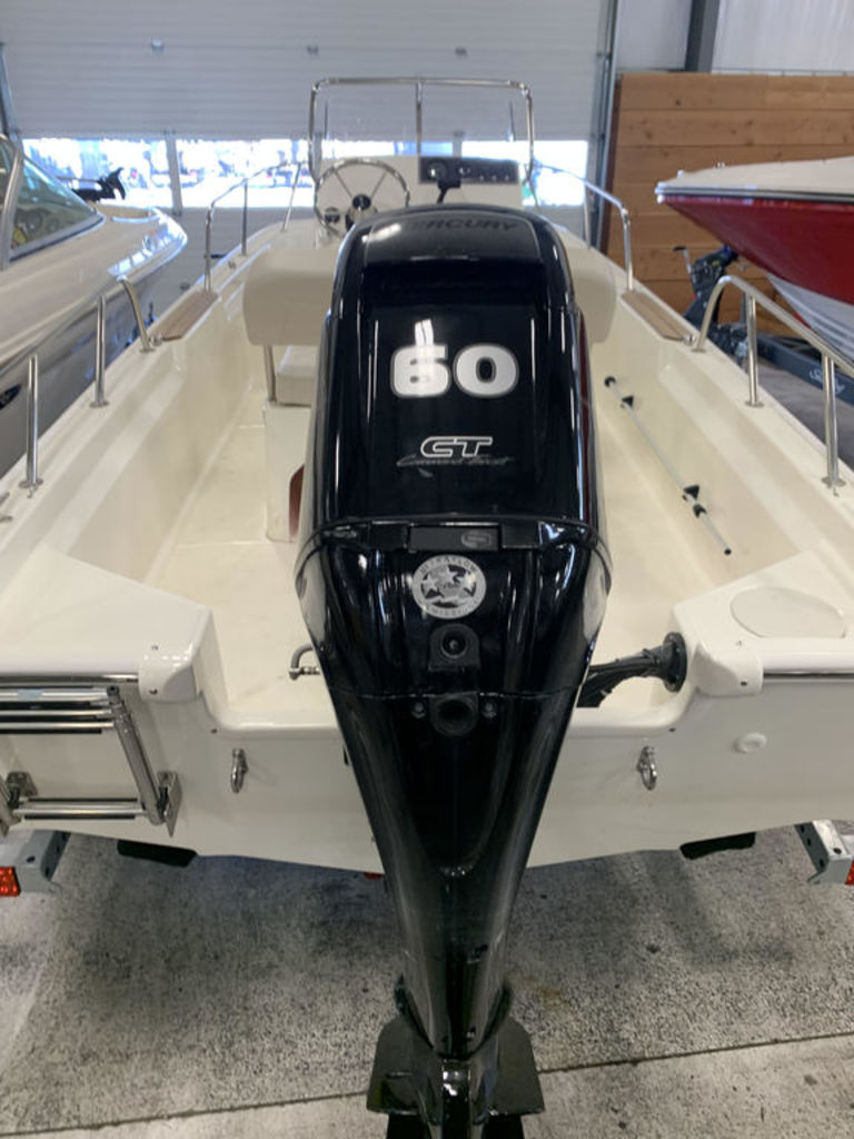 2019 Boston Whaler boat for sale, model of the boat is 15 Montauk & Image # 4 of 5