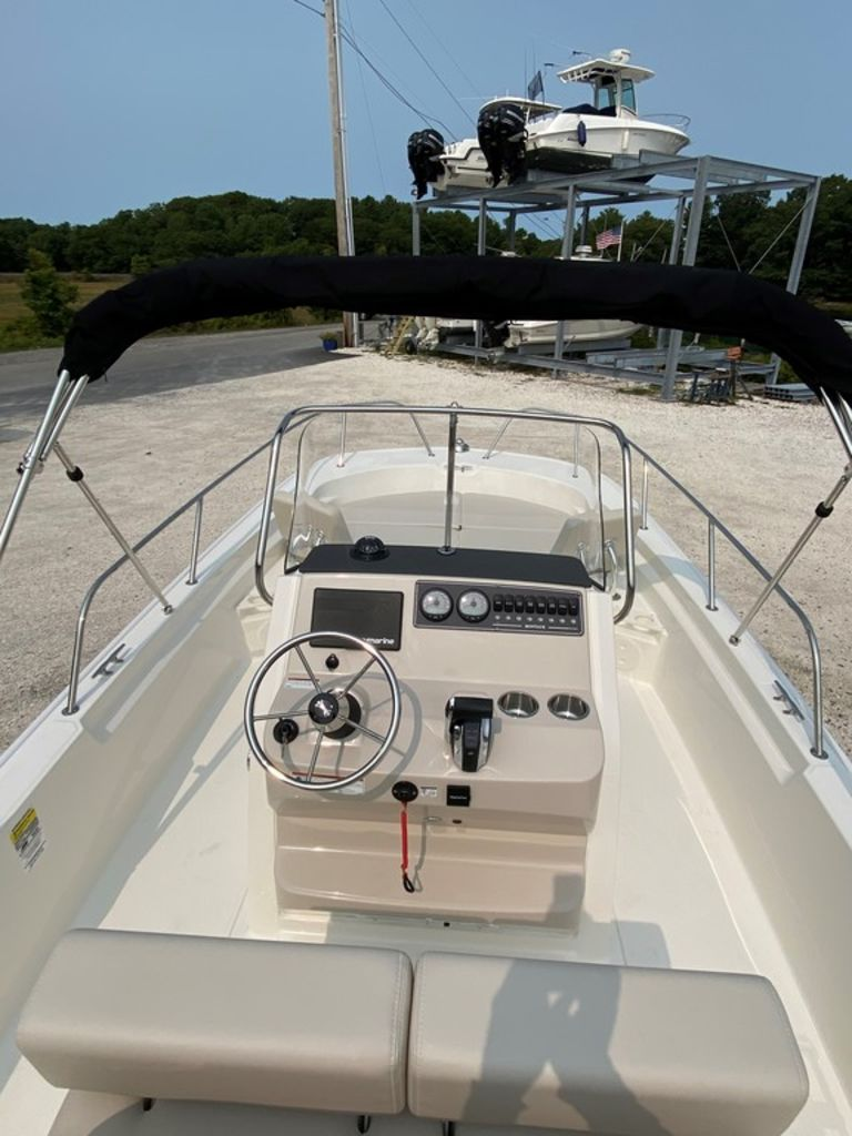 2021 Boston Whaler boat for sale, model of the boat is 210 Montauk & Image # 2 of 8