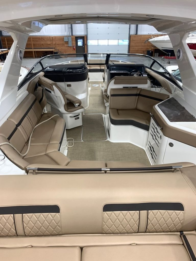 2017 Sea Ray boat for sale, model of the boat is SLX 310 & Image # 4 of 14