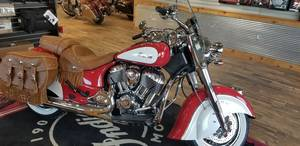 31a863e13cc 2019 Indian Motorcycle® Chief® Vintage Icon Series Patriot Red/Pearl White  Lexington Kentucky