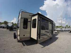 Pre-Owned Inventory | Sun Camper RVs