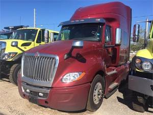 New Heavy & Medium Duty Trucks for sale in Tampa, Florida