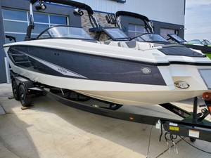 Heyday Wake Boats For Sale Near Denton TX | Wake Boat Dealer