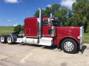 Pre-Owned Inventory | Kansas City Peterbilt, Inc