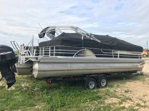 Used Pontoon Boats For Sale   Manitoba   Used Pontoon Dealer
