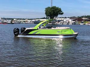 Used Regal Boats for sale in Dubuque, Iowa and also serving