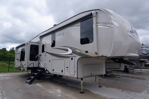 Fifth Wheels For Sale | RCD RV Supercenter Pataskala | Columbus, OH