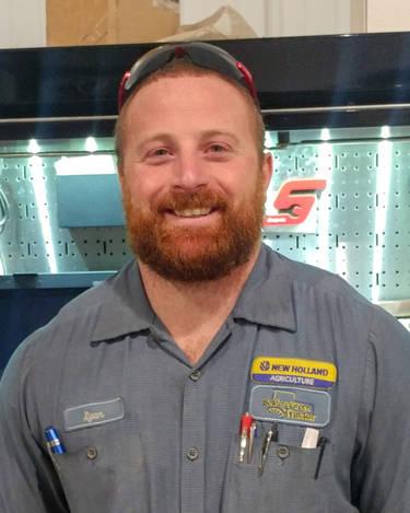 Ryan Roberts/服务技术员