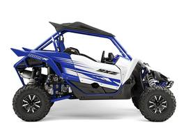 PERFORMANCE SERIES FOX SHOCKS INDEPENDENT REAR SUSPENSION AUTOMATIC ROOF MODIFIED MUFFLER
