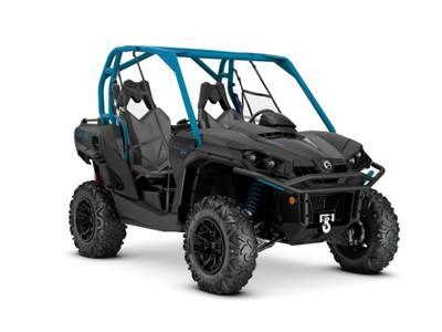 2020 Can-Am ATV Commander™ XT™ 800R Carbon Black & Octane Blue