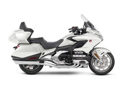 2018 Honda Gold Wing Tour Pearl White 1