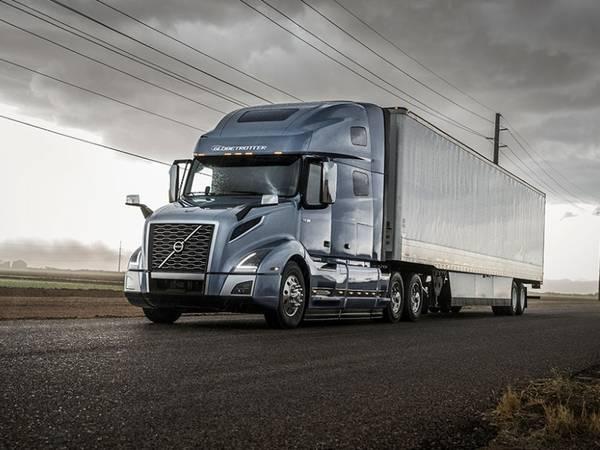 2017 Volvo Trucks VNL 400 Cummins X15 | Legacy Truck Centers