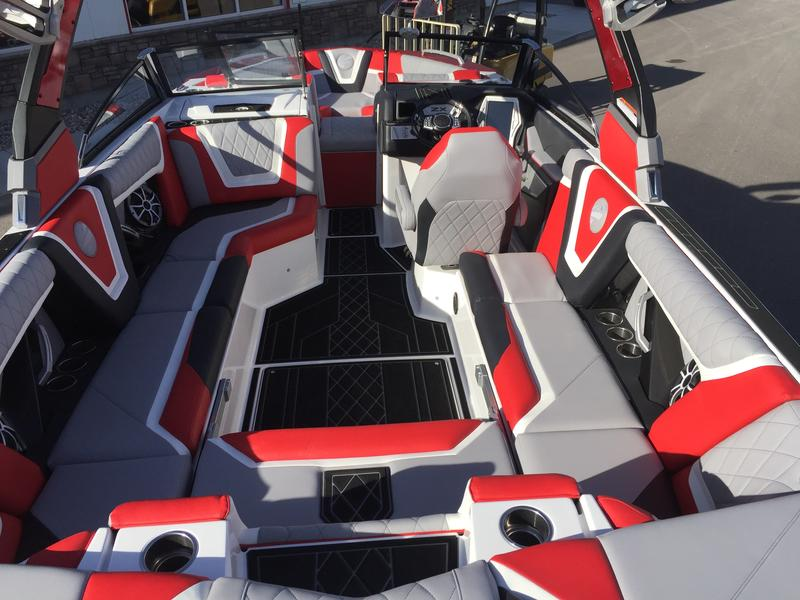 What Makes 2019 Tigé Boats the Best Surf Boat Available