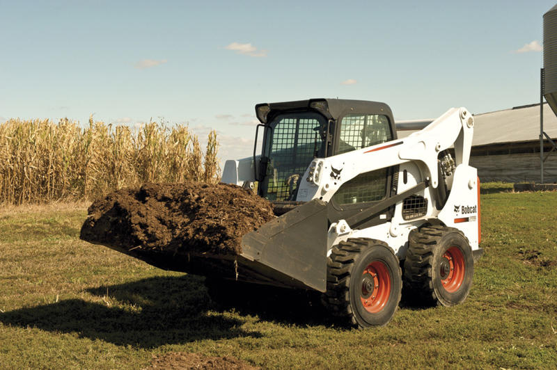 Three Ways to Prepare Your Skid Steer for Fall Weather