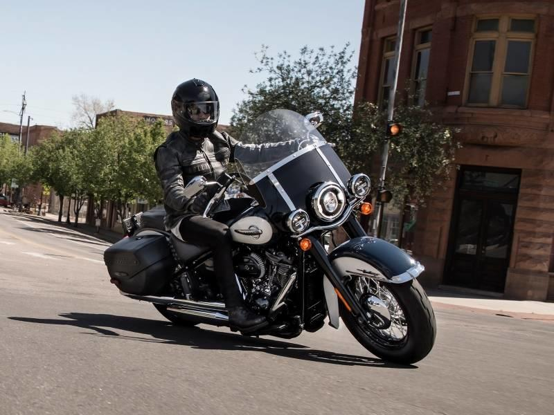Cruiser Motorcycle Features