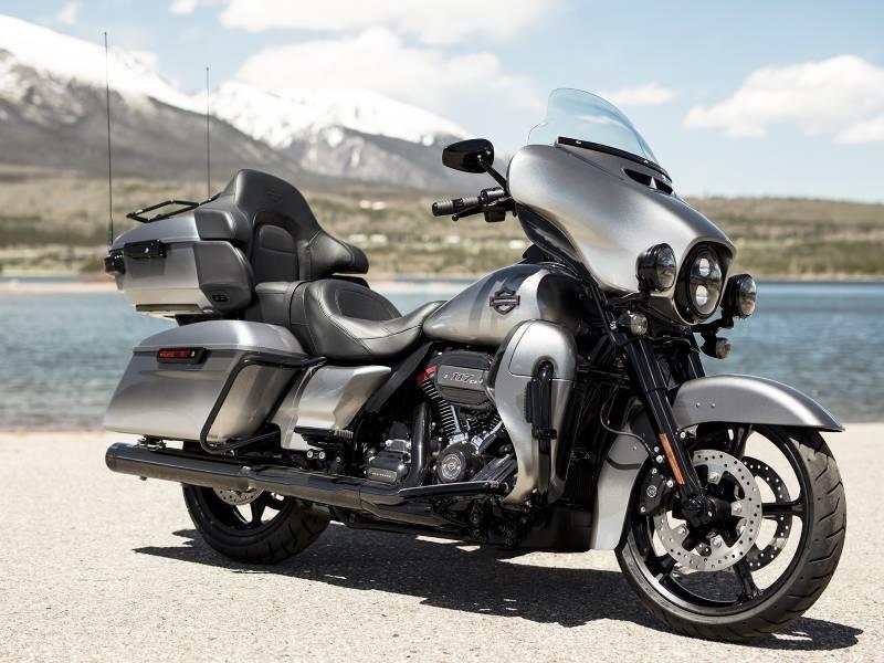Cruiser Vs. Touring Motorcycles | Willamette Valley H-D® | Eugene Oregon