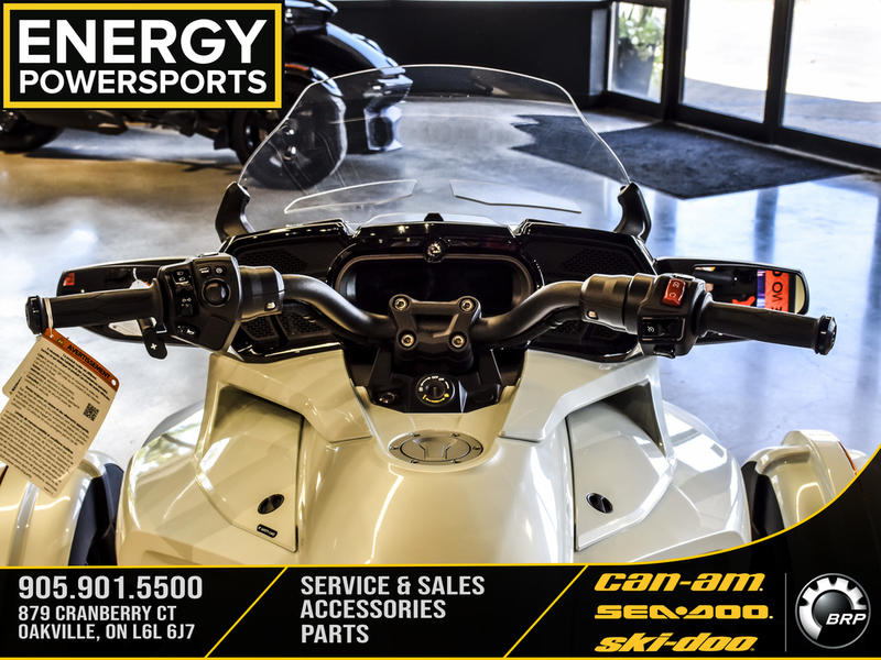 2019 Can-Am ATV Spyder® F3 Limited Dark | 16 of 23