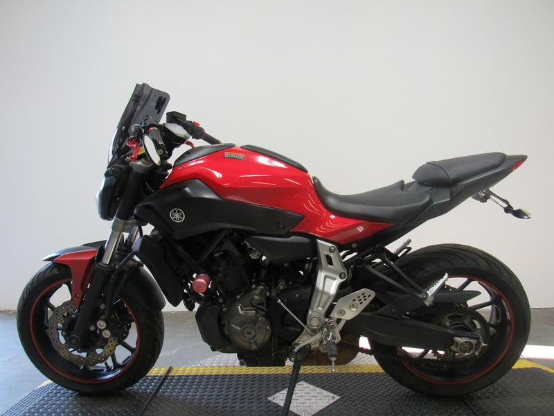 2015 Yamaha FZ-07 8