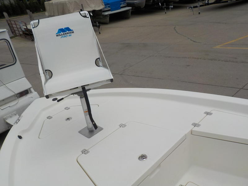 2015 Mako boat for sale, model of the boat is 19 CPX & Image # 8 of 21