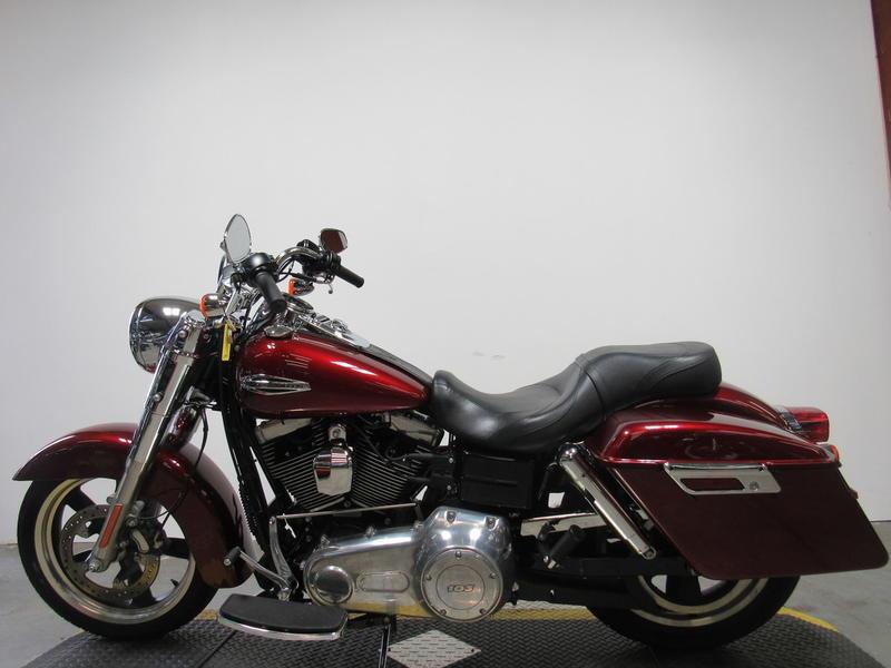 2016 Harley-Davidson FLD - Dyna Switchback 8