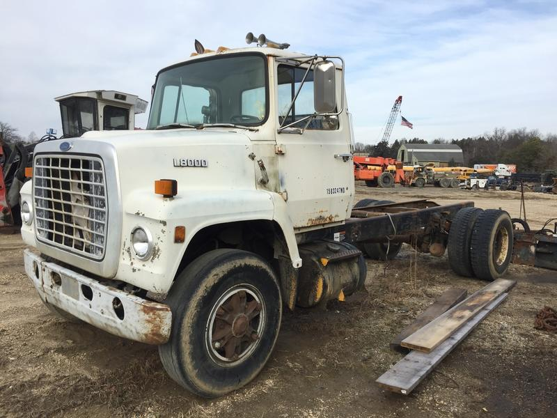USED 1987 FORD L8000 CAB CHASSIS TRUCK #499543