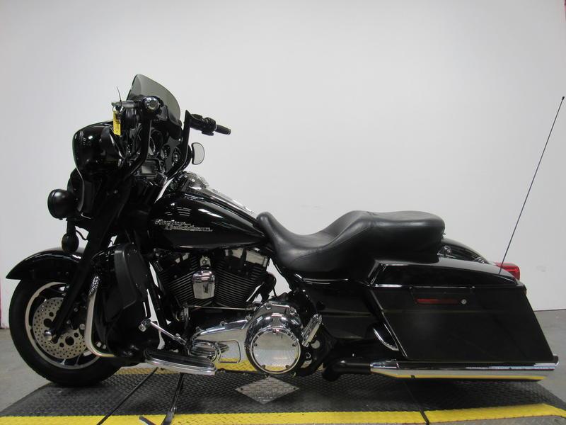 2009 Harley-Davidson FLHX - Street Glide 8