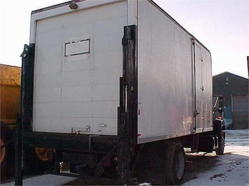 1999 GMC TOPKICK C7500 BOX VAN TRUCK