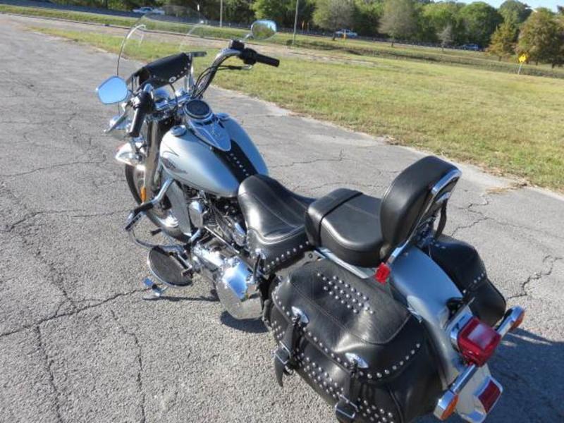 2011 Harley-Davidson FLSTC - Heritage Softail Classic 3