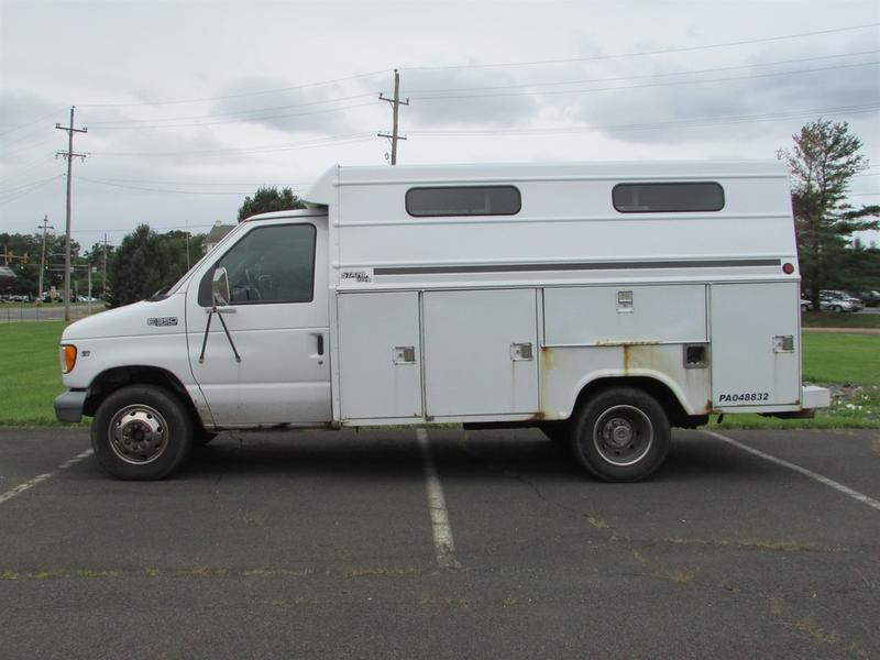 1999 Ford E350 Enclosed Utility SERVICE - UTILITY TRUCK 579104 Service - Utility Truck