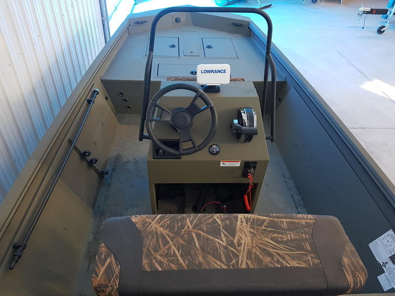 2018 Lowe boat for sale, model of the boat is Roughneck 1860 CC & Image # 3 of 8