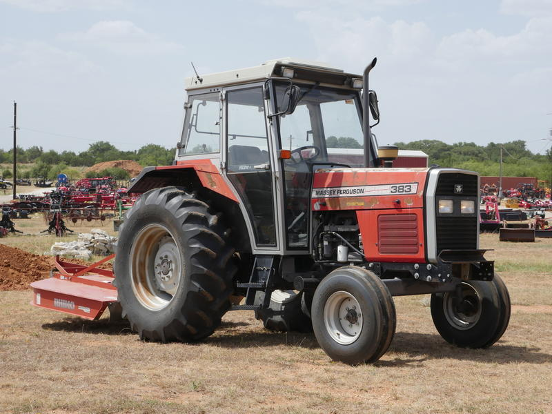 1900 Massey Ferguson 383 Stock: C16705 | Big Red's Equipment