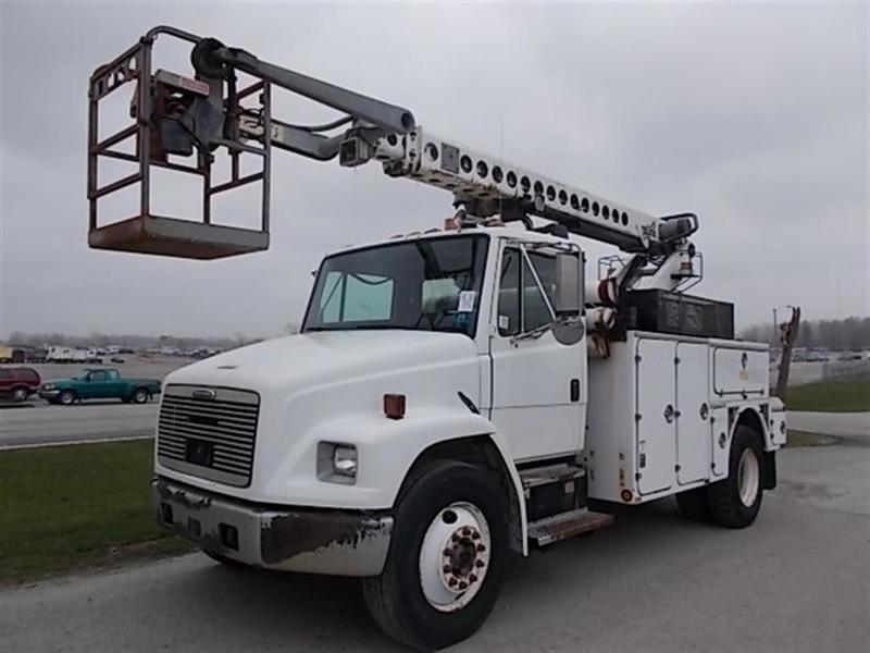 2001 Freightliner FL70 Bucket Truck w/ Reel Loader and Cable Placing Bucket Boom Truck