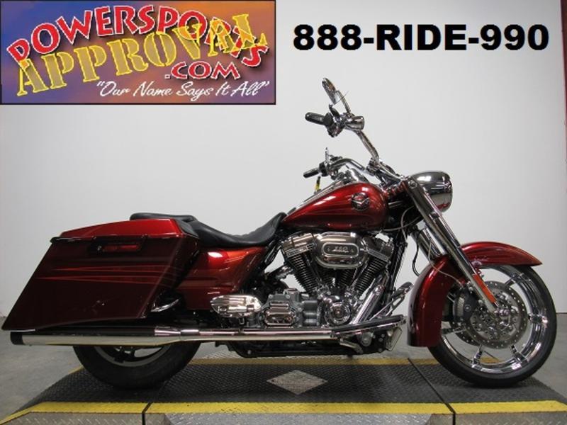 2013 Harley-Davidson FLHRSE5 - CVO Road King 1