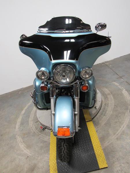 2007 Harley-Davidson FLHTCU - Electra Glide Ultra Classic 3
