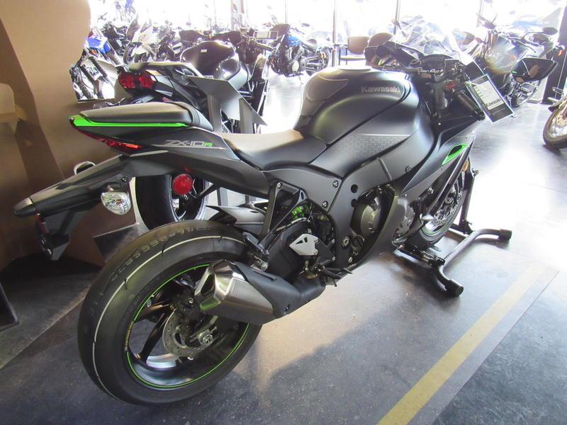 2018 Kawasaki Ninja® ZX™-10R SE | RideNow Tri-Cities