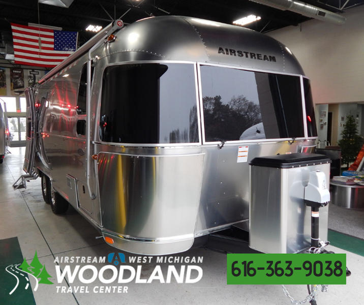 2019 Airstream Flying Cloud 25FB Stock: 2745 | Woodland