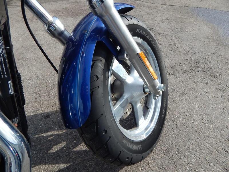 2015 Harley-Davidson XL1200C - Sportster 1200 Custom 6
